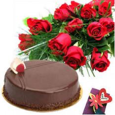 Grappe de 15 gâteaux aux roses et demi gâteau au chocolat.