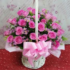 24 panier de fleurs roses A (Moyen)