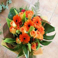 Roses oranges et Gerberas