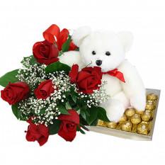 Roses rouges avec 24 morceaux Ferrero Rocher Chocolat et ours