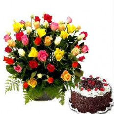Skylark - 2,2 livres de gateau de la Forêt-Noire avec 50 morceaux de roses mélangées dans un panier