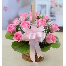 12 Panier de roses roses
