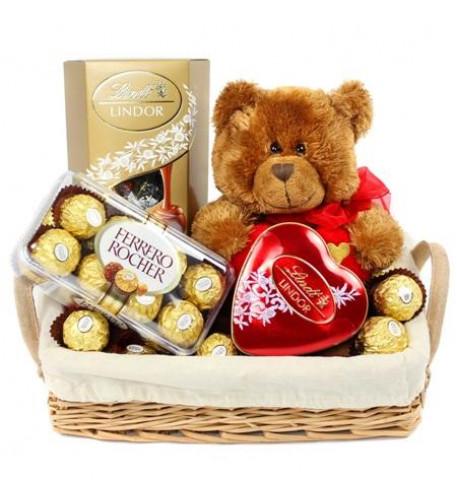 Panier de chocolats Lindt, ours en peluche et 16 Ferrero Rocher