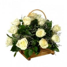 12 Panier de roses blanches